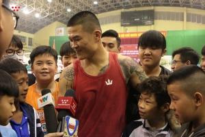 Nhìn lại chiến thắng đầu tiên của Trương Đình Hoàng, Nguyễn Văn Đương ở giải Boxing VĐQG